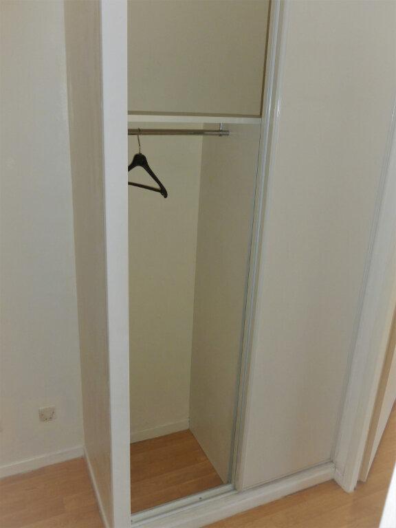 Appartement à louer 1 23.58m2 à Reims vignette-8