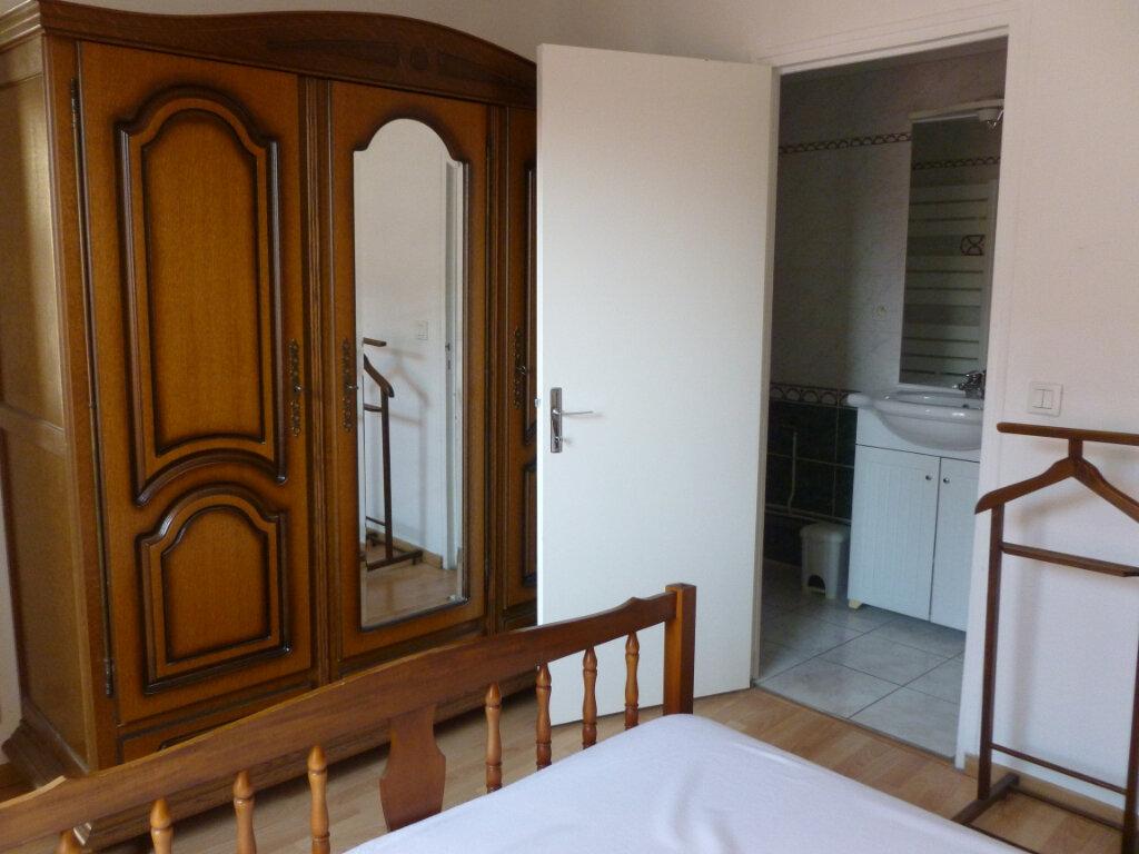 Appartement à louer 2 37m2 à Reims vignette-8