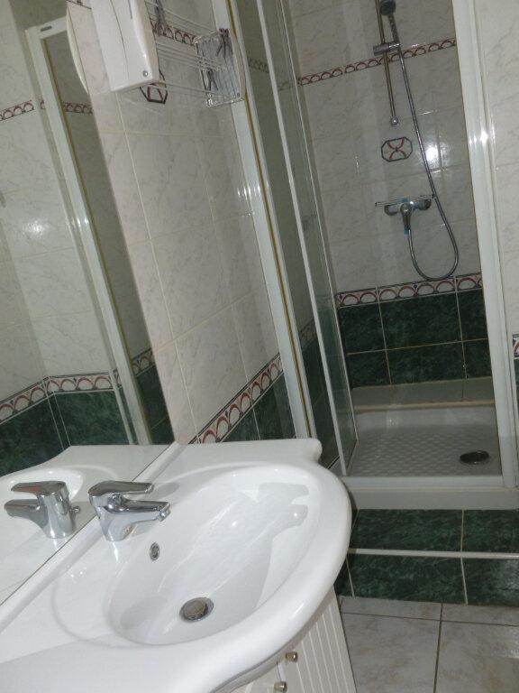 Appartement à louer 2 37m2 à Reims vignette-10