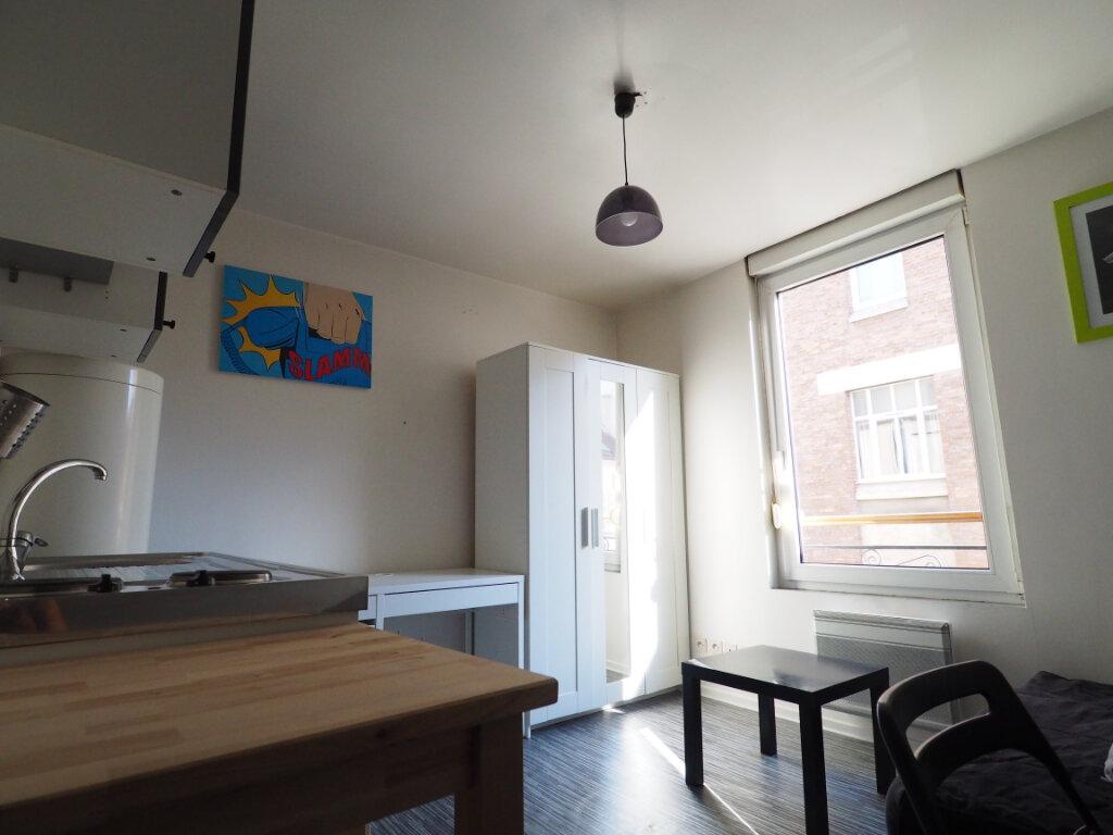 Appartement à louer 1 14.6m2 à Reims vignette-2