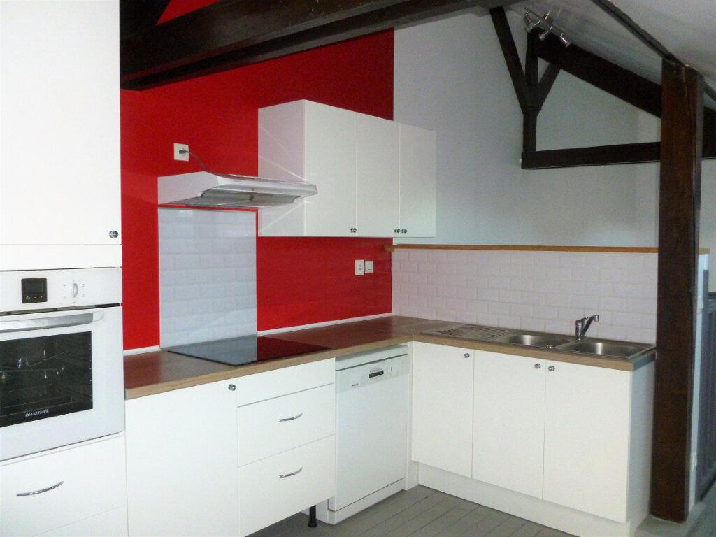 Appartement à louer 3 63m2 à Reims vignette-1