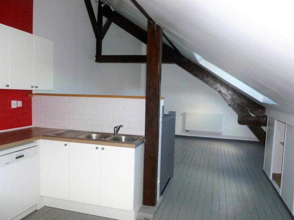 Appartement à louer 3 63m2 à Reims vignette-2