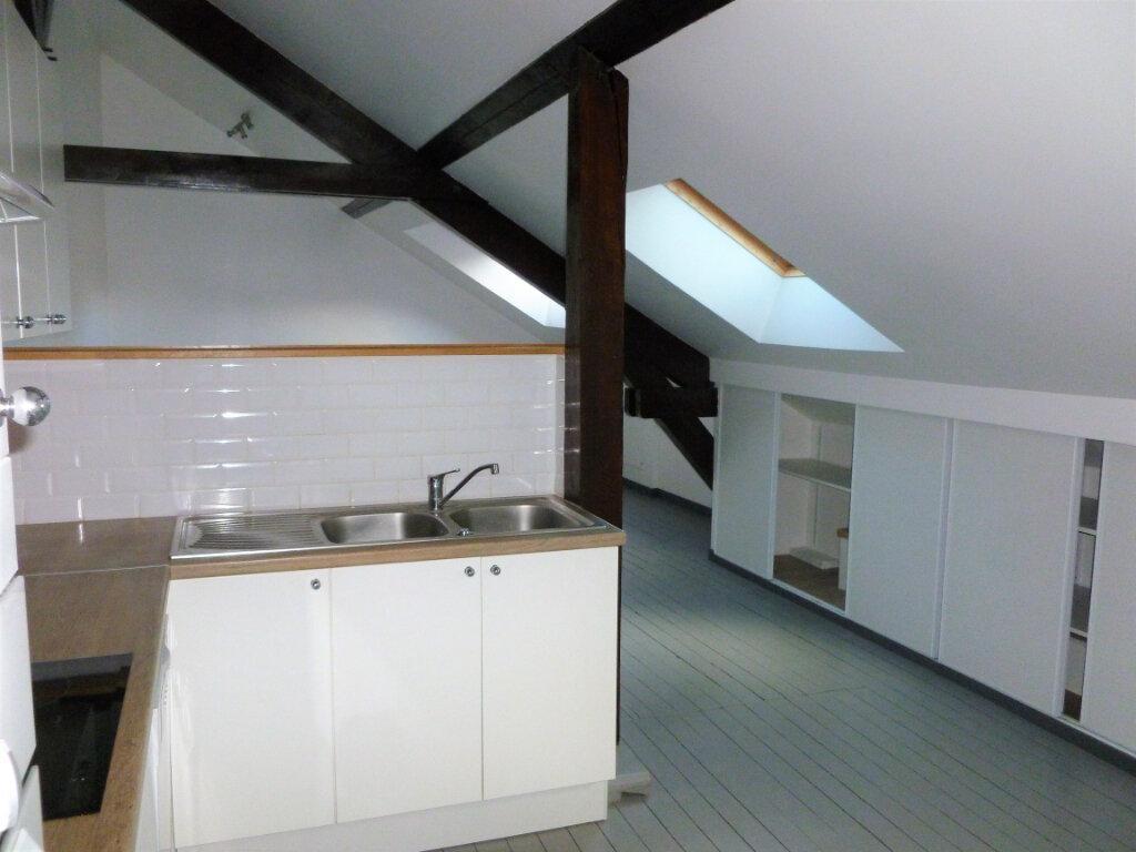 Appartement à louer 3 63m2 à Reims vignette-4