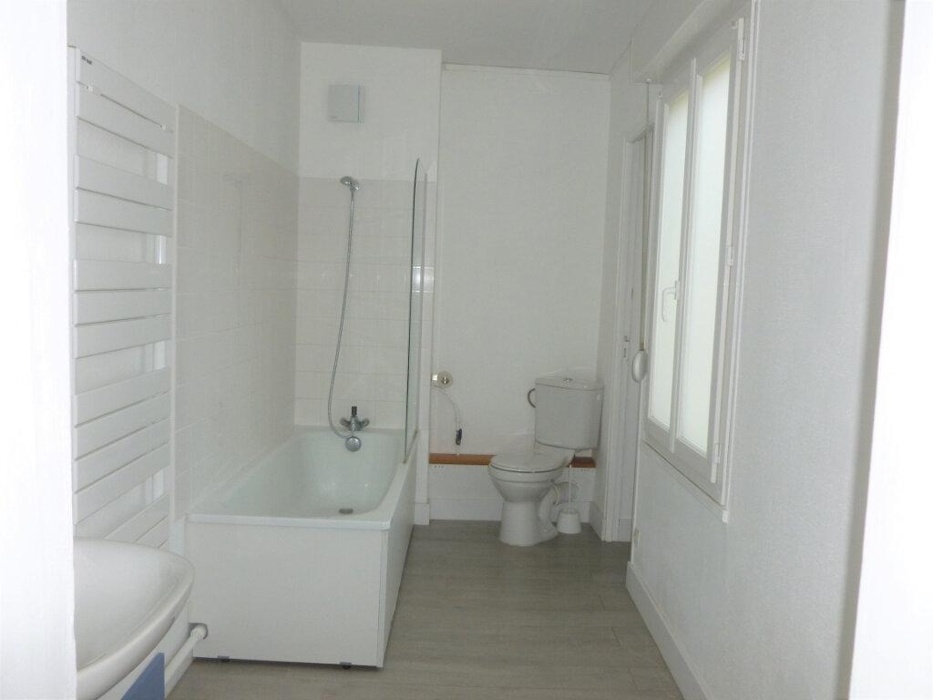 Appartement à louer 3 63m2 à Reims vignette-5