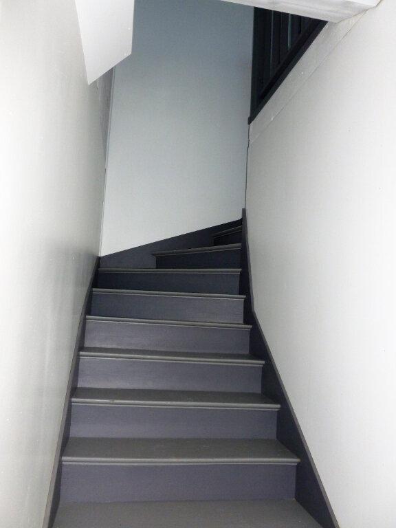 Appartement à louer 3 63m2 à Reims vignette-10