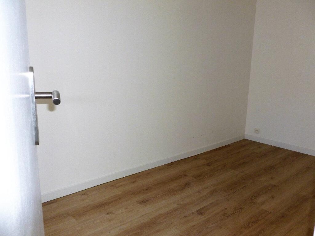 Appartement à louer 3 63m2 à Reims vignette-12