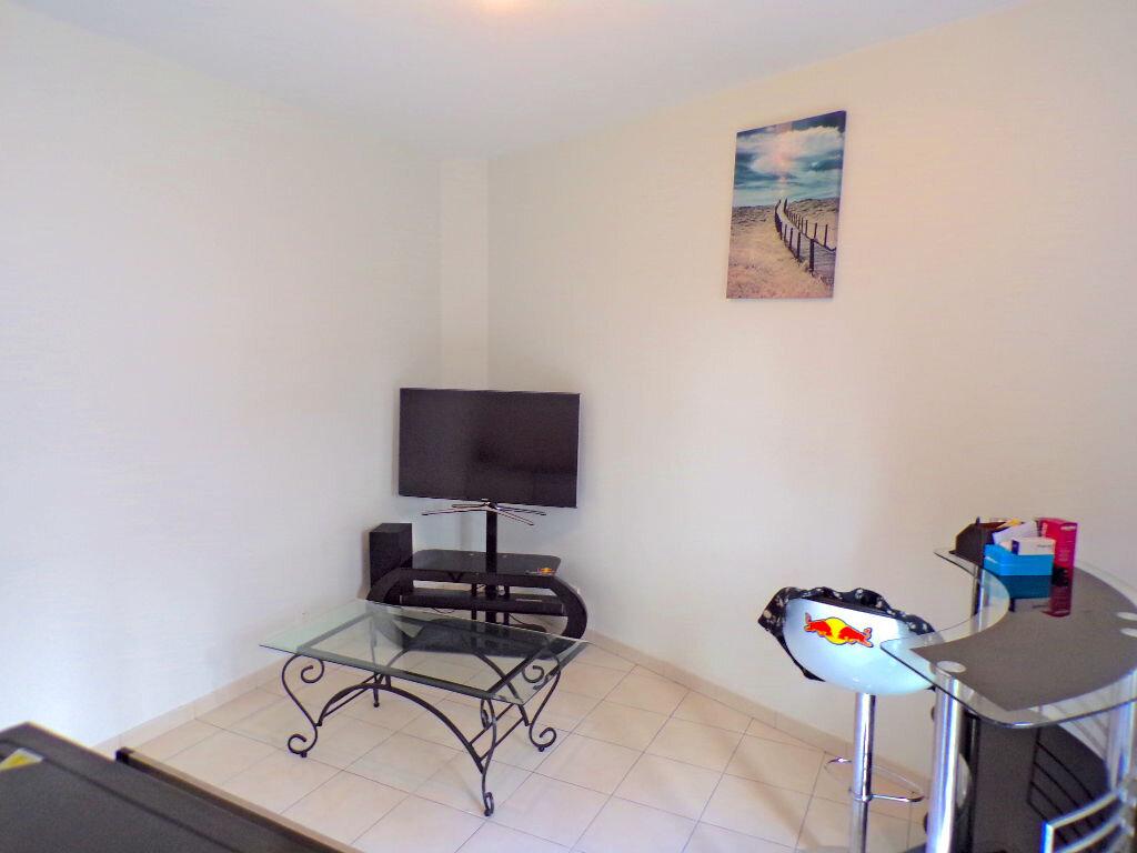 Appartement à louer 2 33.75m2 à Reims vignette-4
