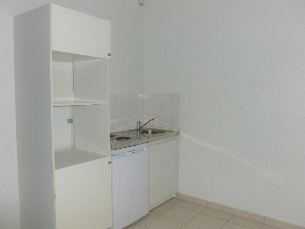 Appartement à louer 2 33.75m2 à Reims vignette-6