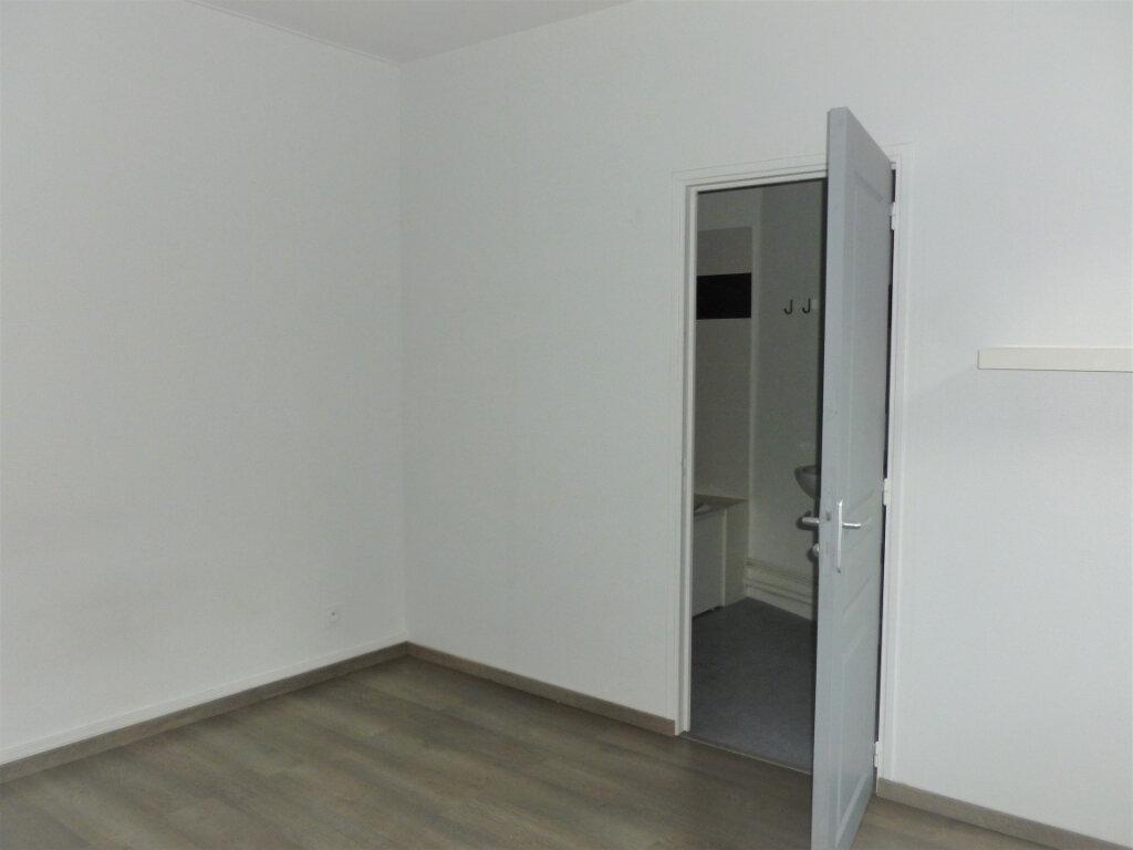 Appartement à louer 2 33.75m2 à Reims vignette-9