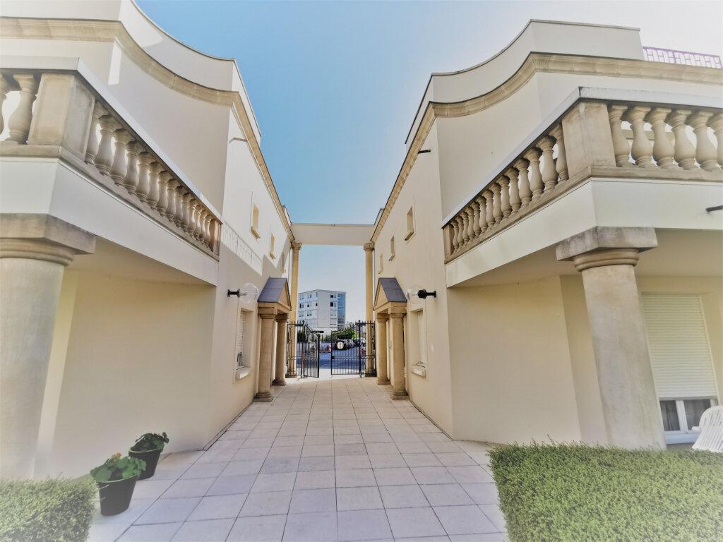 Appartement à louer 5 110.62m2 à Reims vignette-3