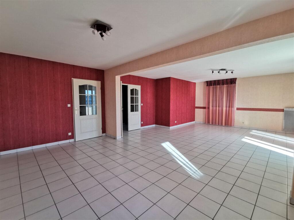 Appartement à louer 5 110.62m2 à Reims vignette-10