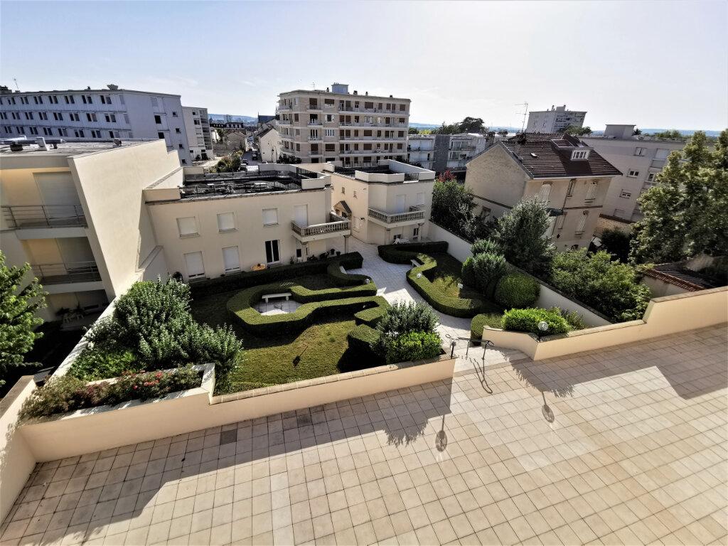 Appartement à louer 5 110.62m2 à Reims vignette-12