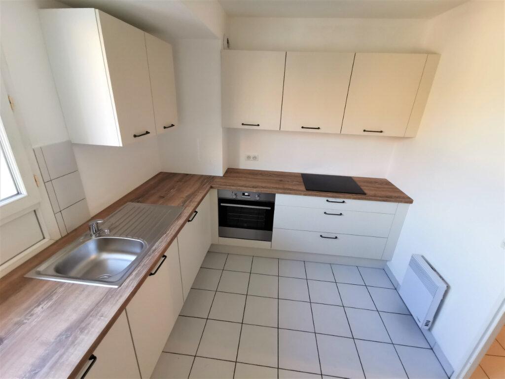Appartement à louer 5 110.62m2 à Reims vignette-13