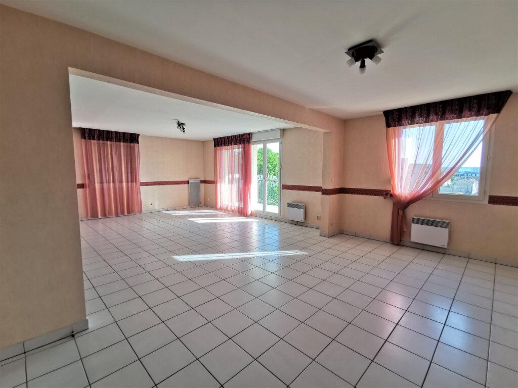 Appartement à louer 5 110.62m2 à Reims vignette-14