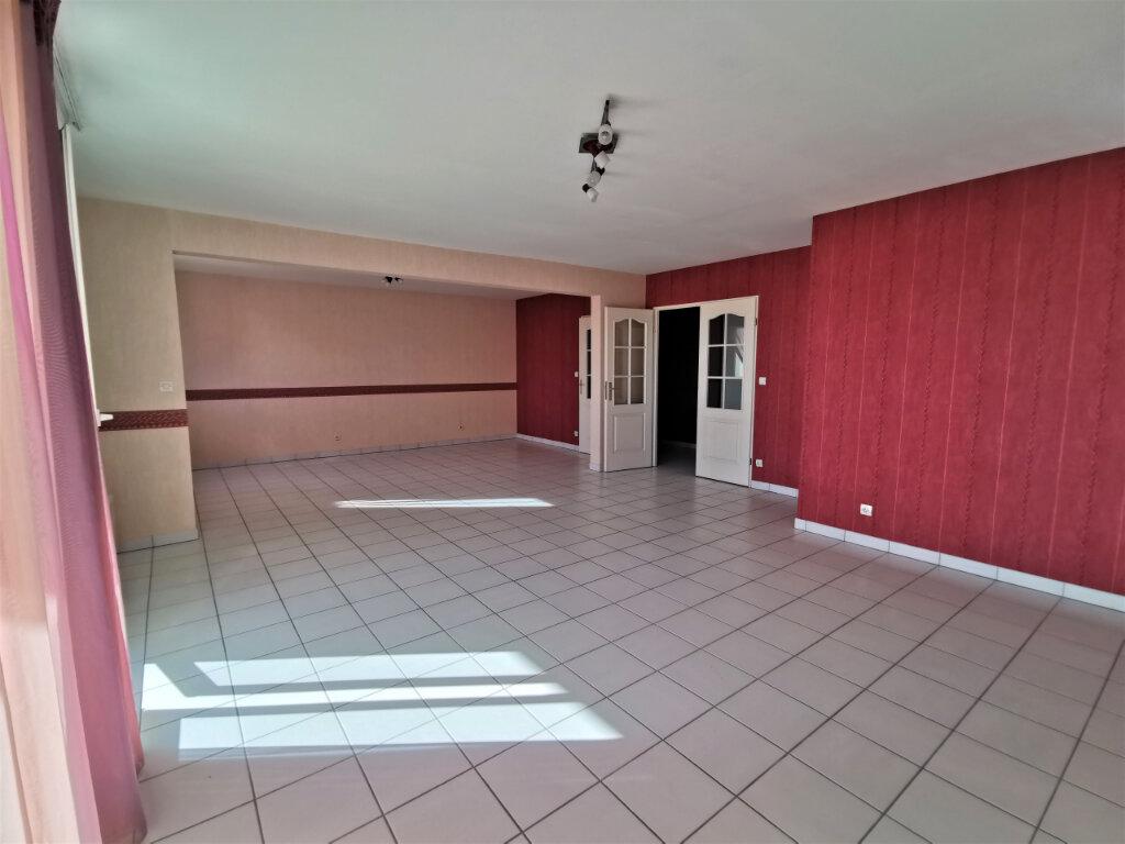 Appartement à louer 5 110.62m2 à Reims vignette-15