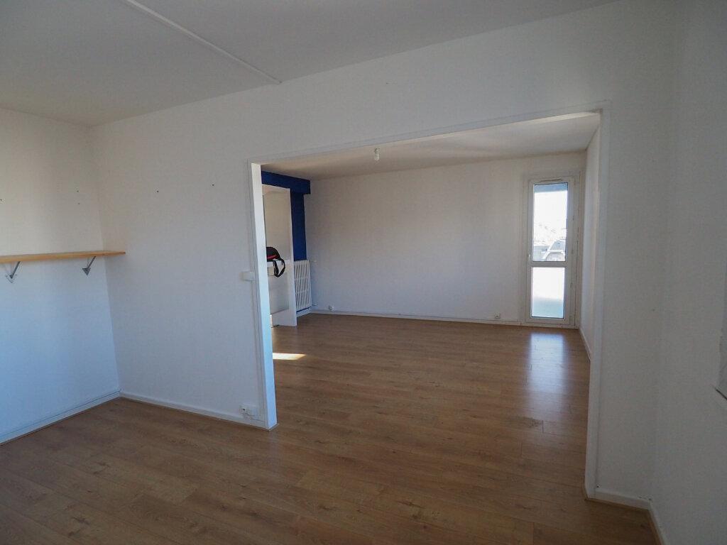 Appartement à louer 3 71.8m2 à Reims vignette-2