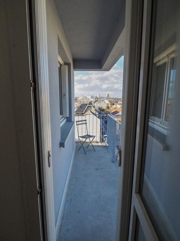 Appartement à louer 3 71.8m2 à Reims vignette-4