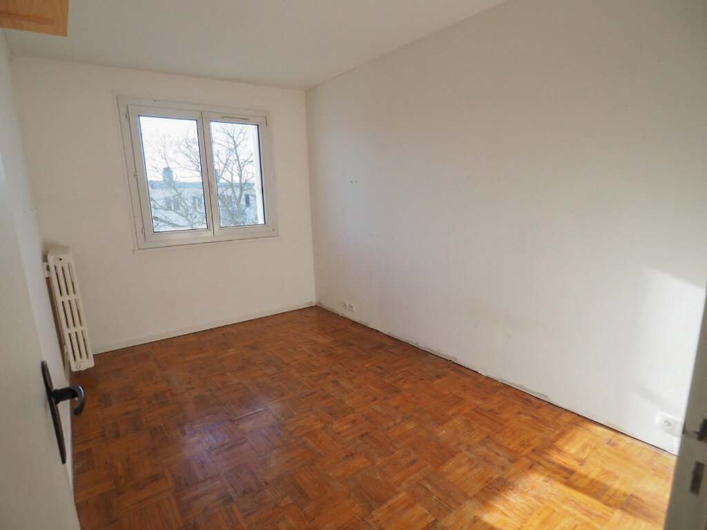 Appartement à louer 3 71.8m2 à Reims vignette-6