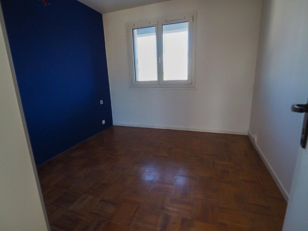 Appartement à louer 3 71.8m2 à Reims vignette-7