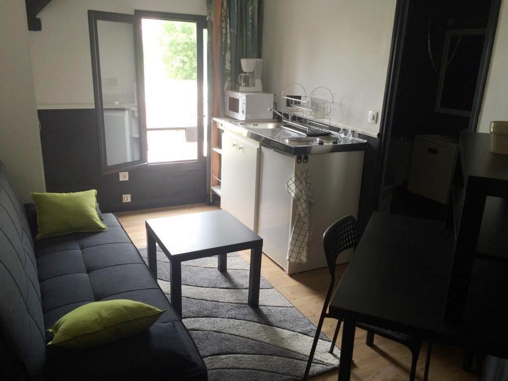 Appartement à louer 1 11m2 à Reims vignette-1