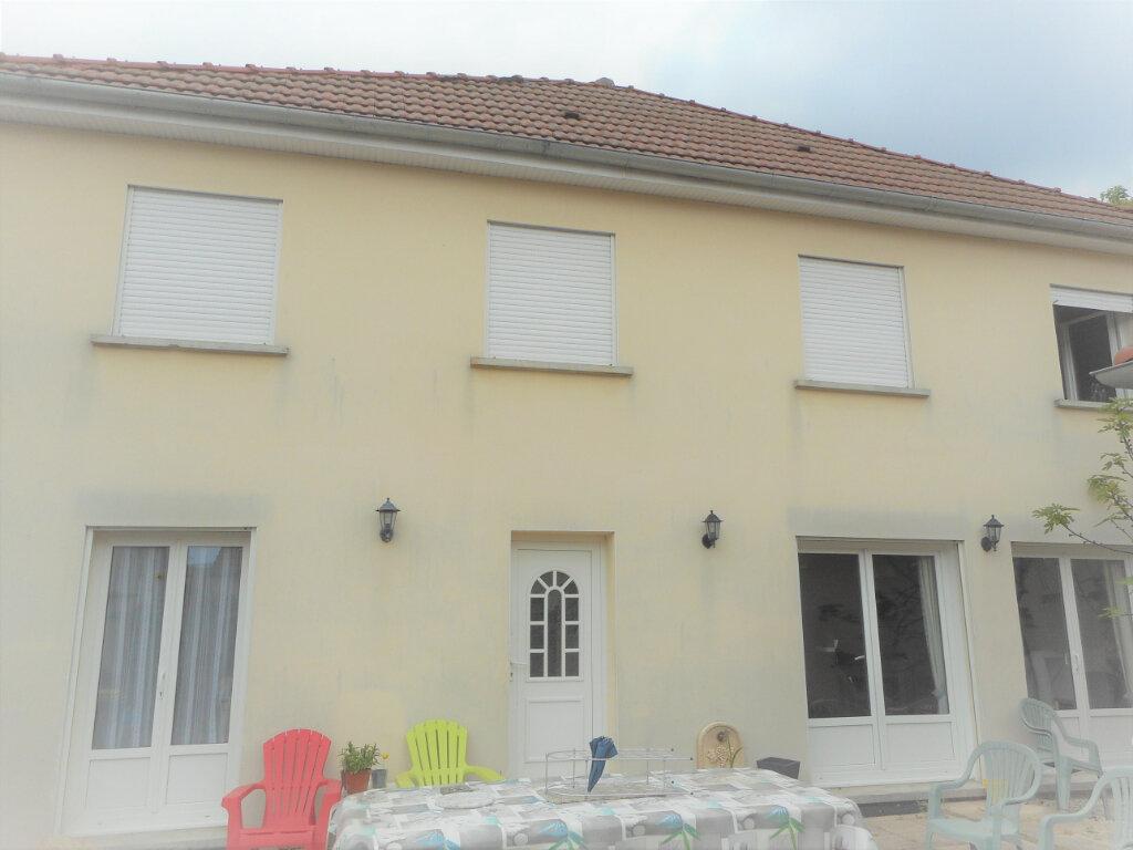 Maison à louer 5 131.74m2 à Reims vignette-1
