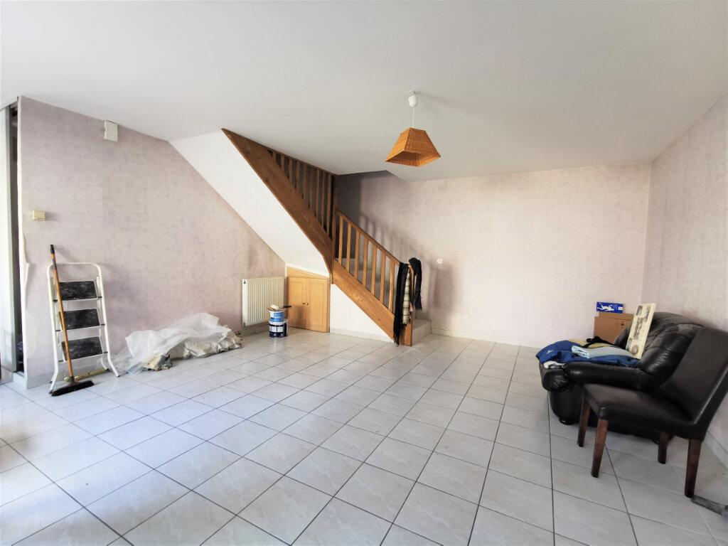 Maison à louer 5 131.74m2 à Reims vignette-4