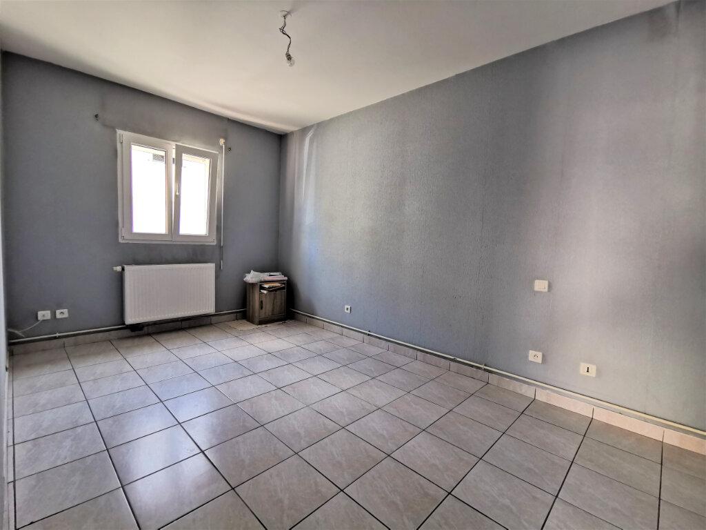 Maison à louer 5 131.74m2 à Reims vignette-8