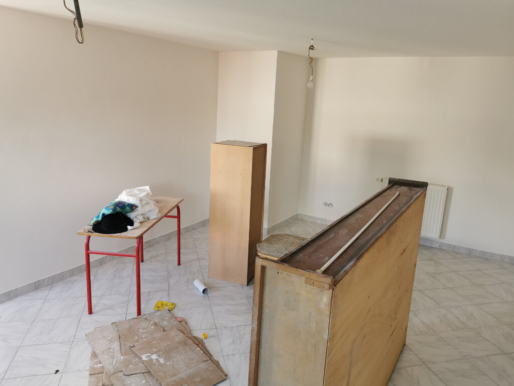 Maison à louer 5 131.74m2 à Reims vignette-10