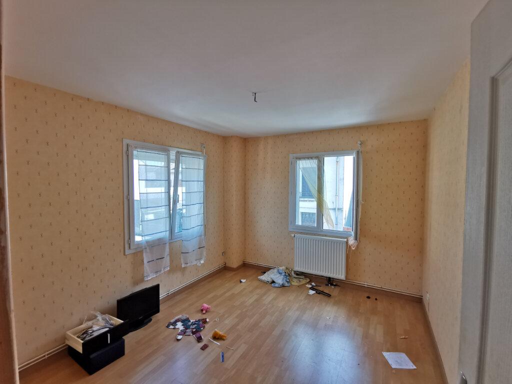 Maison à louer 5 131.74m2 à Reims vignette-13