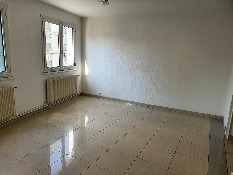 Appartement à louer 4 91.55m2 à Reims vignette-3