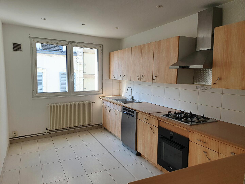 Appartement à louer 4 91.55m2 à Reims vignette-4
