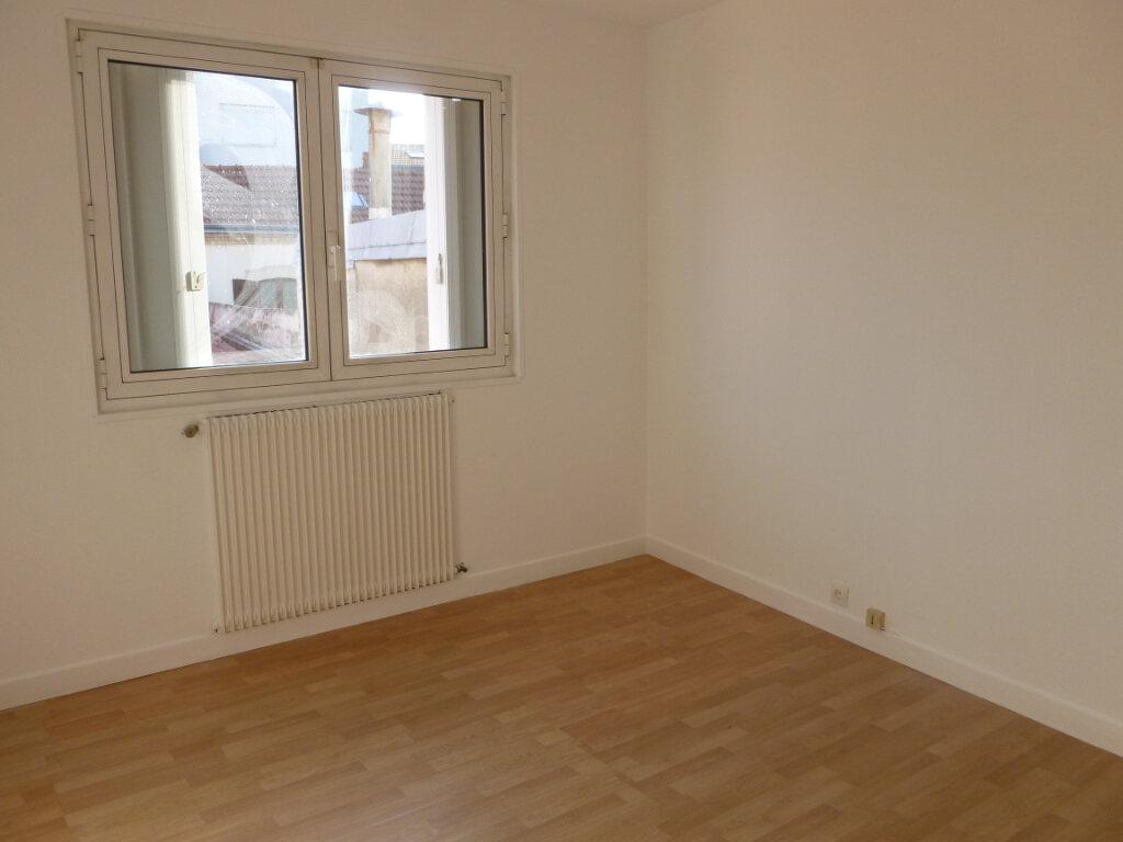 Appartement à louer 4 91.55m2 à Reims vignette-6