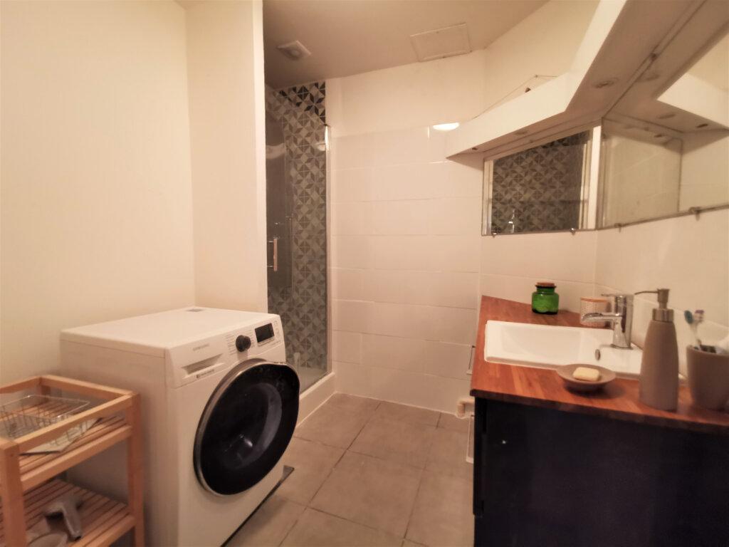 Appartement à louer 3 55.97m2 à Reims vignette-2