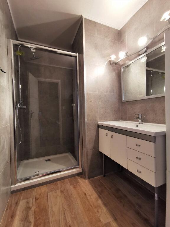 Appartement à louer 3 68m2 à Reims vignette-4
