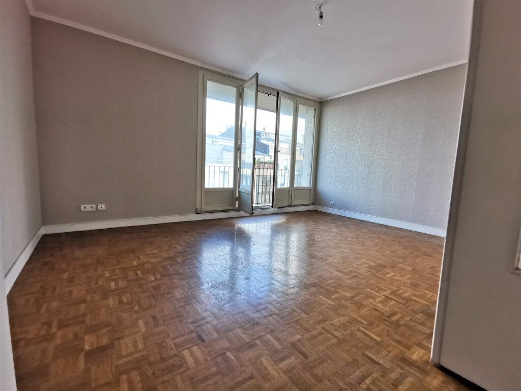 Appartement à louer 3 68m2 à Reims vignette-12