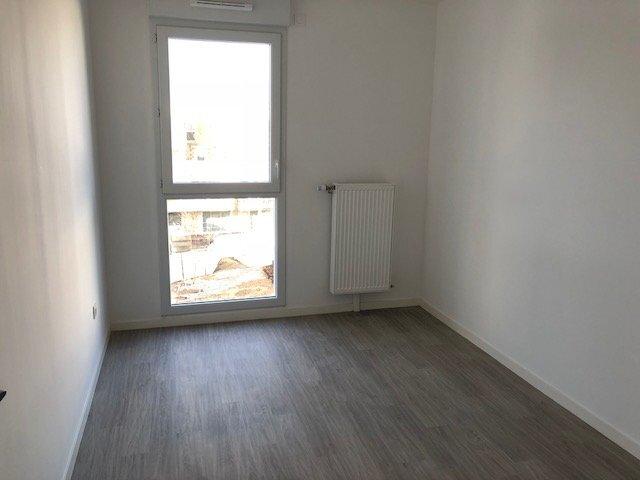 Appartement à louer 3 66.7m2 à Bezannes vignette-7