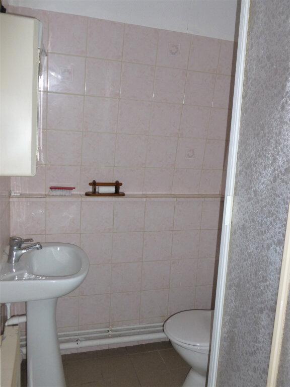 Appartement à louer 1 14.1m2 à Reims vignette-5
