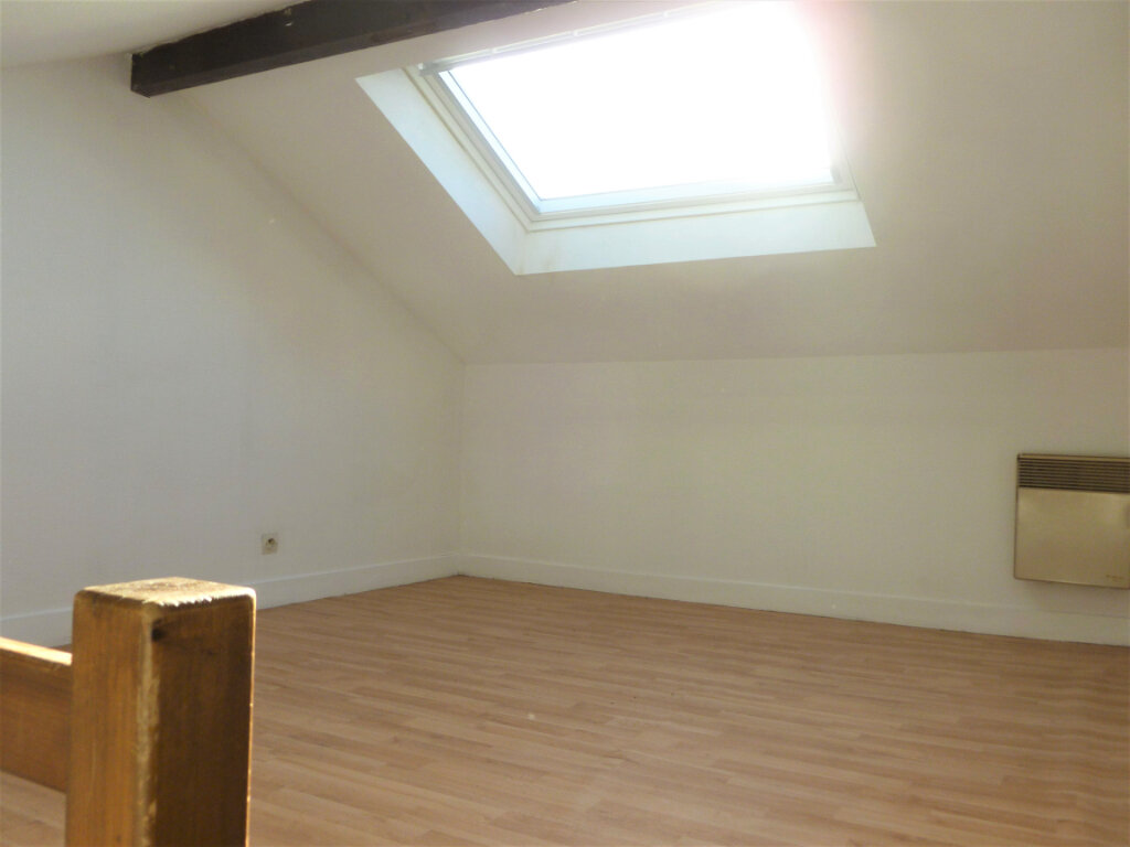Appartement à louer 1 14.1m2 à Reims vignette-6