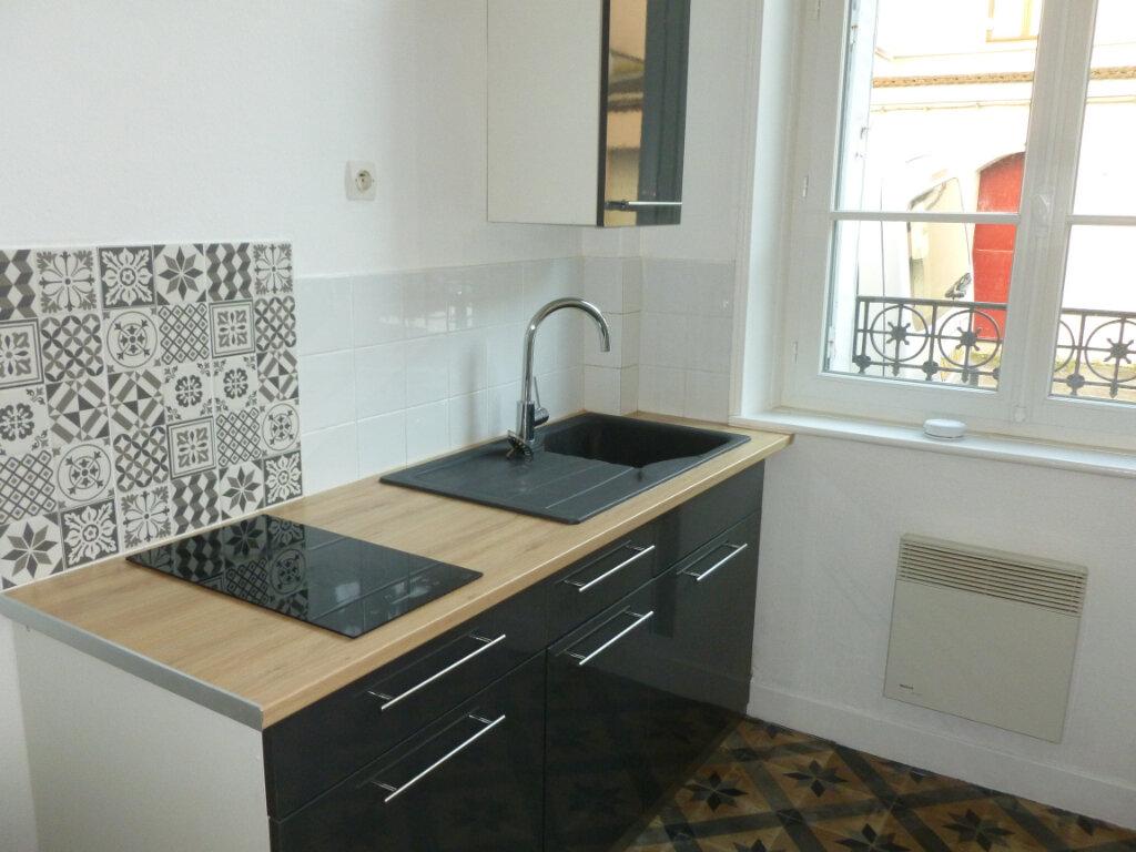 Appartement à louer 2 33.02m2 à Reims vignette-1