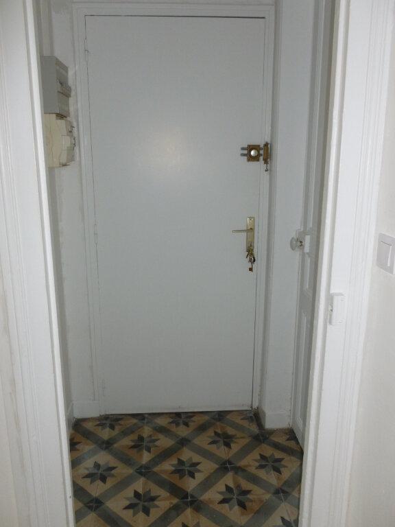 Appartement à louer 2 33.02m2 à Reims vignette-4