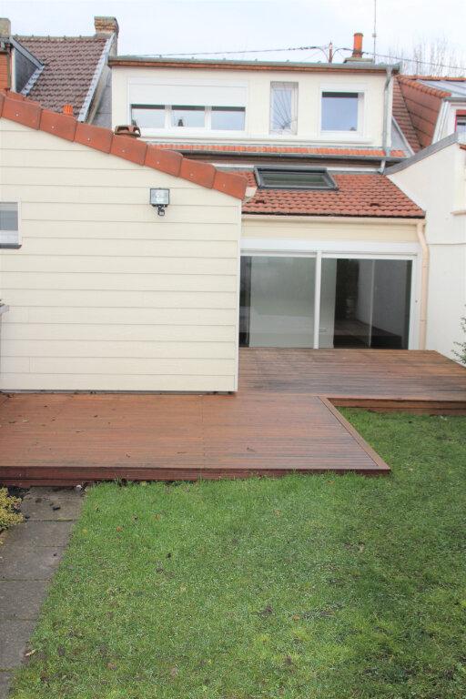 Maison à vendre 6 130m2 à Reims vignette-1