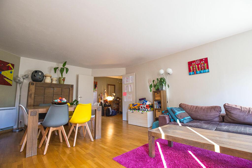 Appartement à louer 5 108.54m2 à Suresnes vignette-2