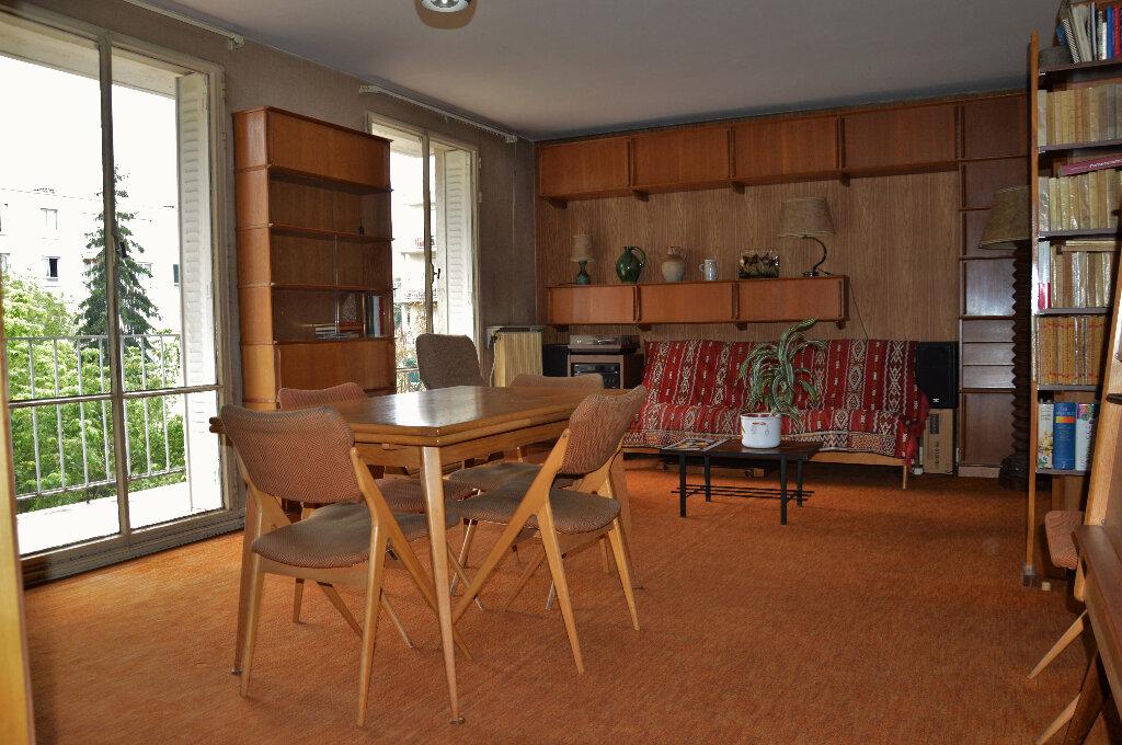 Appartement à vendre 4 63.93m2 à Rueil-Malmaison vignette-1