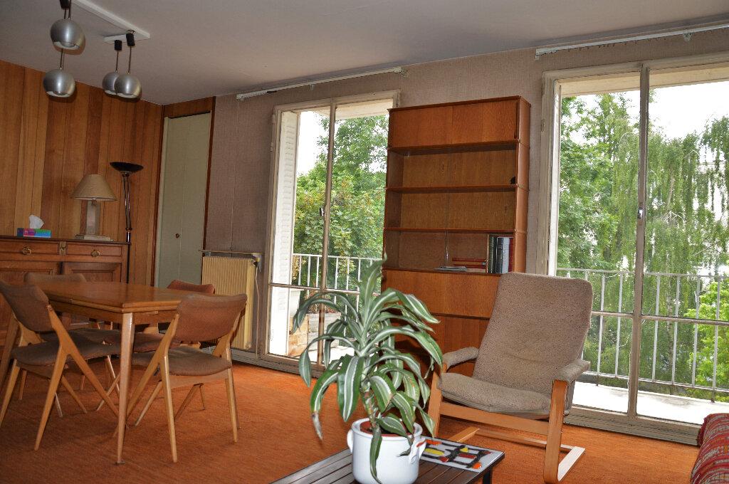 Appartement à vendre 4 63.93m2 à Rueil-Malmaison vignette-2