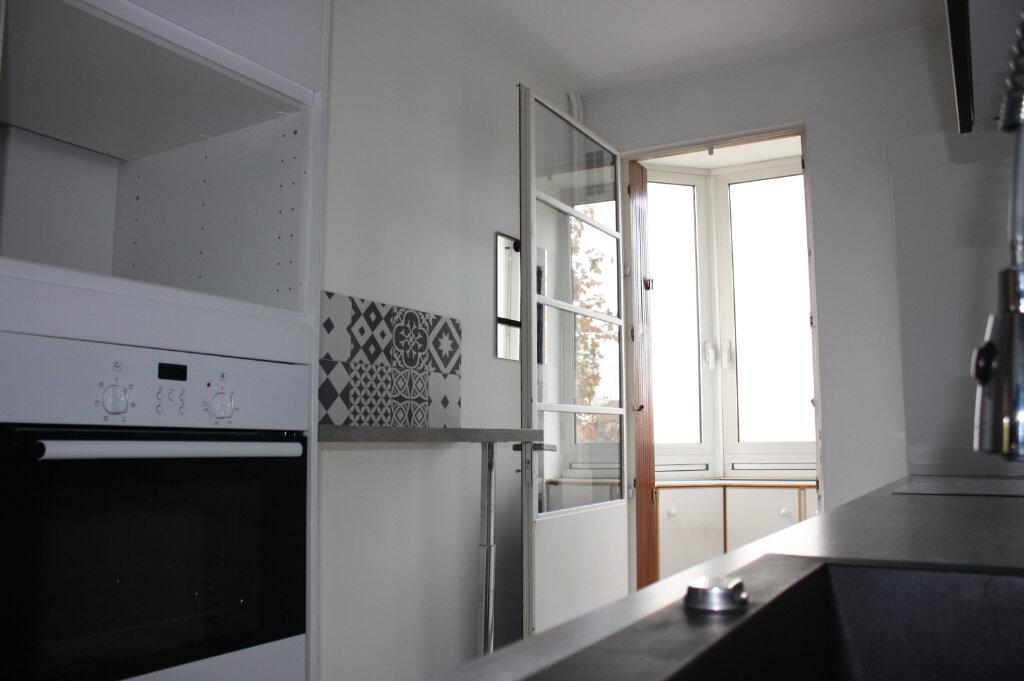 Appartement à vendre 4 104m2 à Rueil-Malmaison vignette-4