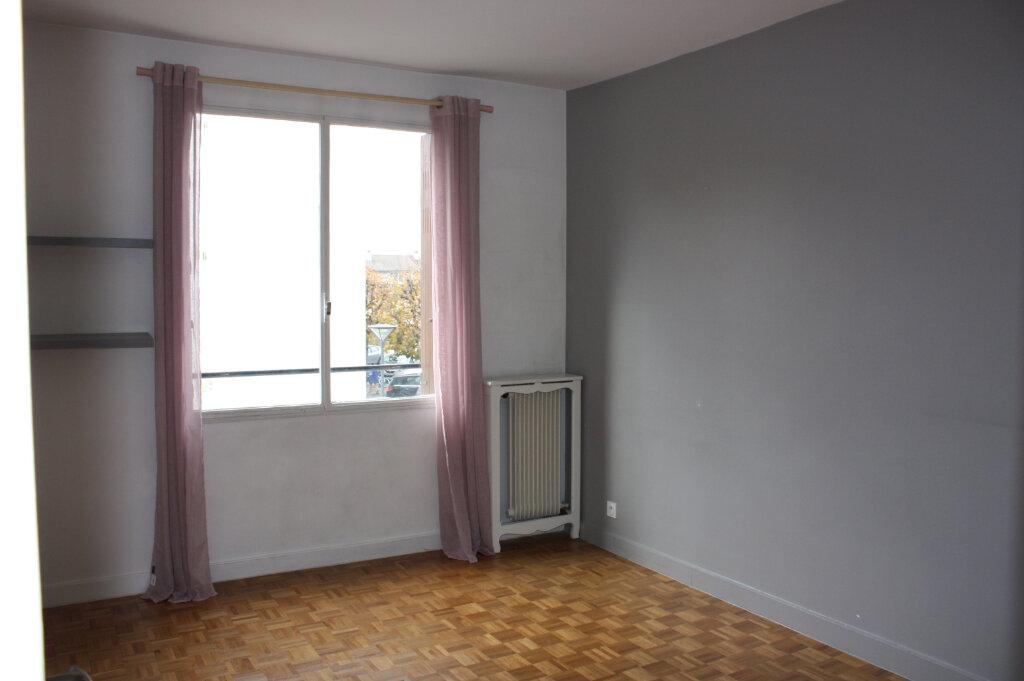 Appartement à vendre 4 104m2 à Rueil-Malmaison vignette-6