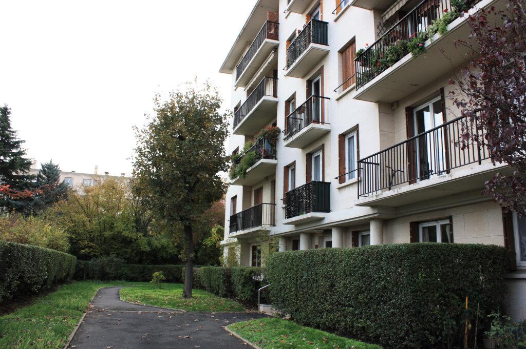 Appartement à vendre 4 104m2 à Rueil-Malmaison vignette-8