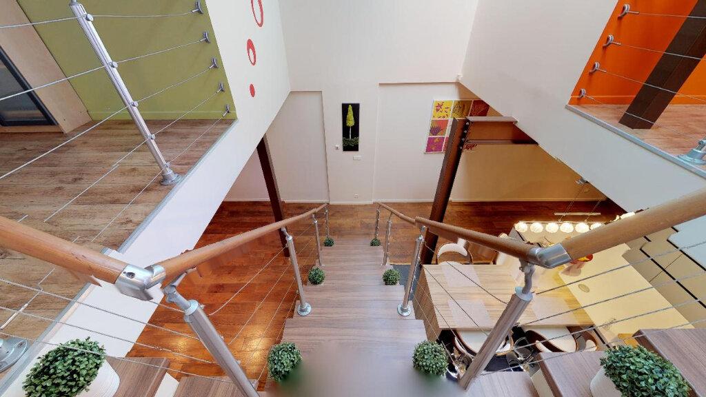 Maison à vendre 5 180m2 à Rueil-Malmaison vignette-1