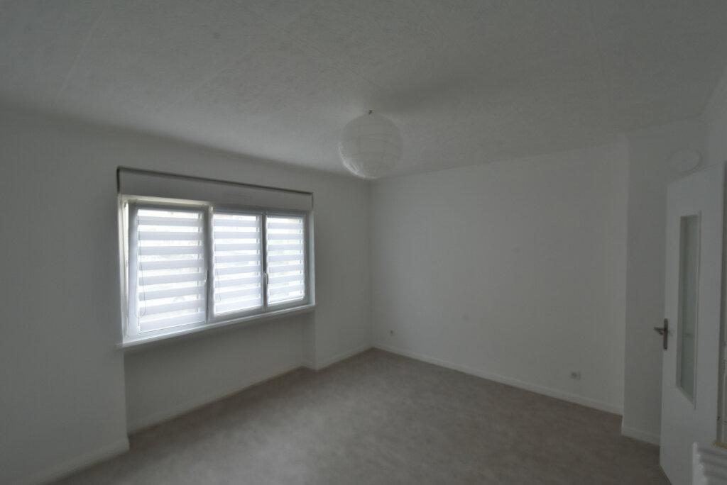 Appartement à louer 3 57.03m2 à Hettange-Grande vignette-1