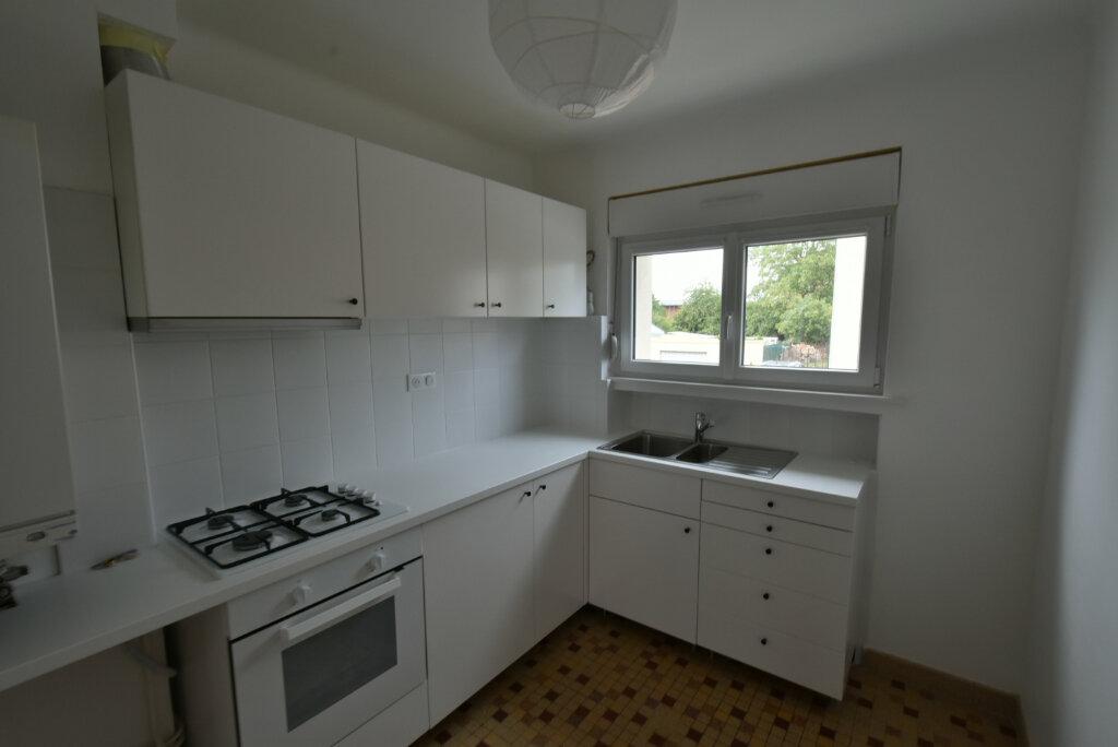 Appartement à louer 3 57.03m2 à Hettange-Grande vignette-2